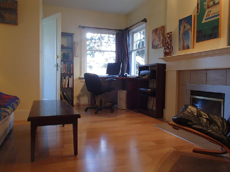 Photo Gallery For Centrally Located 2 Bedroom 2 Level